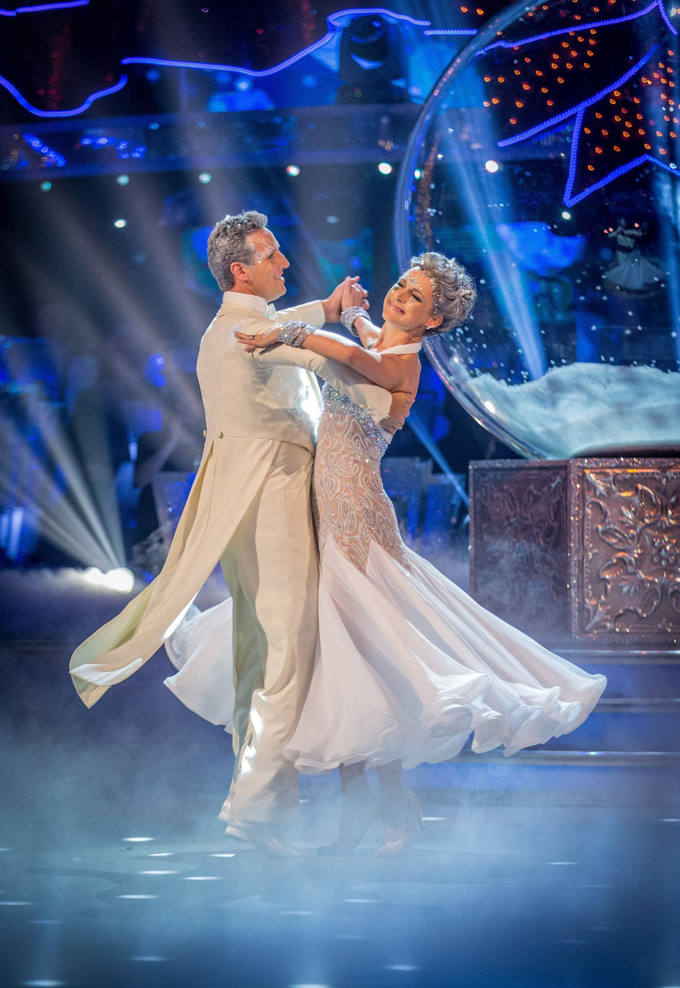 <strong>Katie Derham and Brendan Cole have won the 2017 'Strictly' Christmas special</strong>