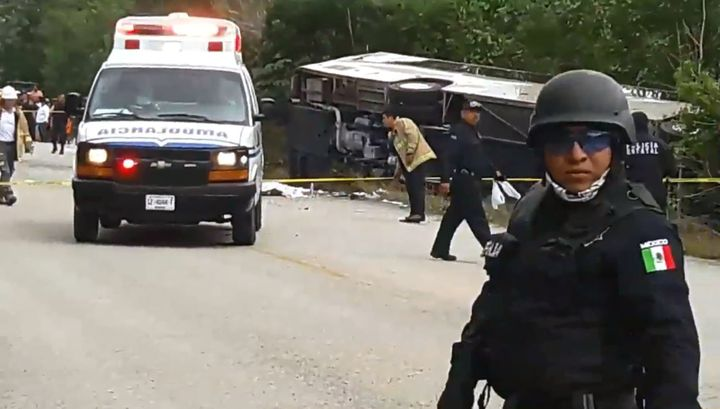 A bus transporting tourists to the Chacchoben Ruins in southeast Mexico lost control and overturned Tuesday, killing and inju