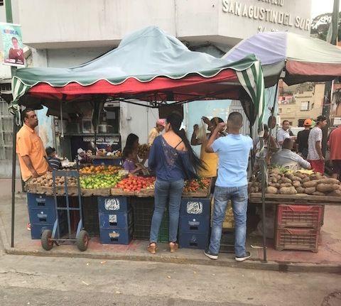 Fruit Stand, San Agustin