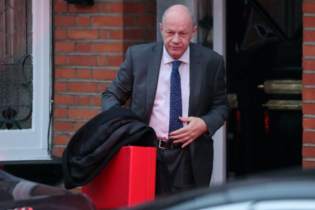 Damian Green quits cabinet over cover-up of office porn