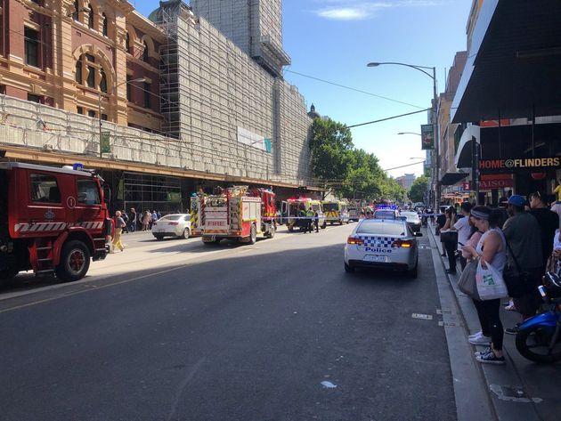 Αυτοκίνητο έπεσε πάνω σε πεζούς στη Μελβούρνη- «σκόπιμη ενέργεια», σύμφωνα με την