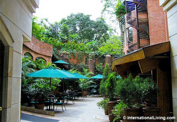 Cafe, El Poblado. Medellin, Colombia.