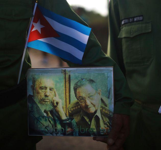 Αντίο Ραούλ Κάστρο. Η κληρονομιά του μικρού αδερφού του Φιντέλ στην