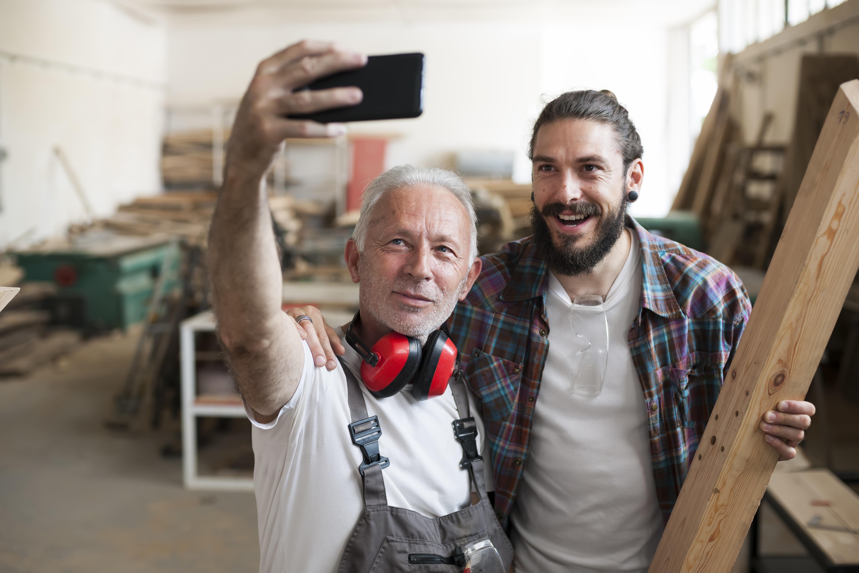 Γιατί η μη ανεκτικότητα στους μεγαλύτερους ηλικιακά εργαζομένους είναι η μεγάλη συζήτηση στις επιχειρήσεις