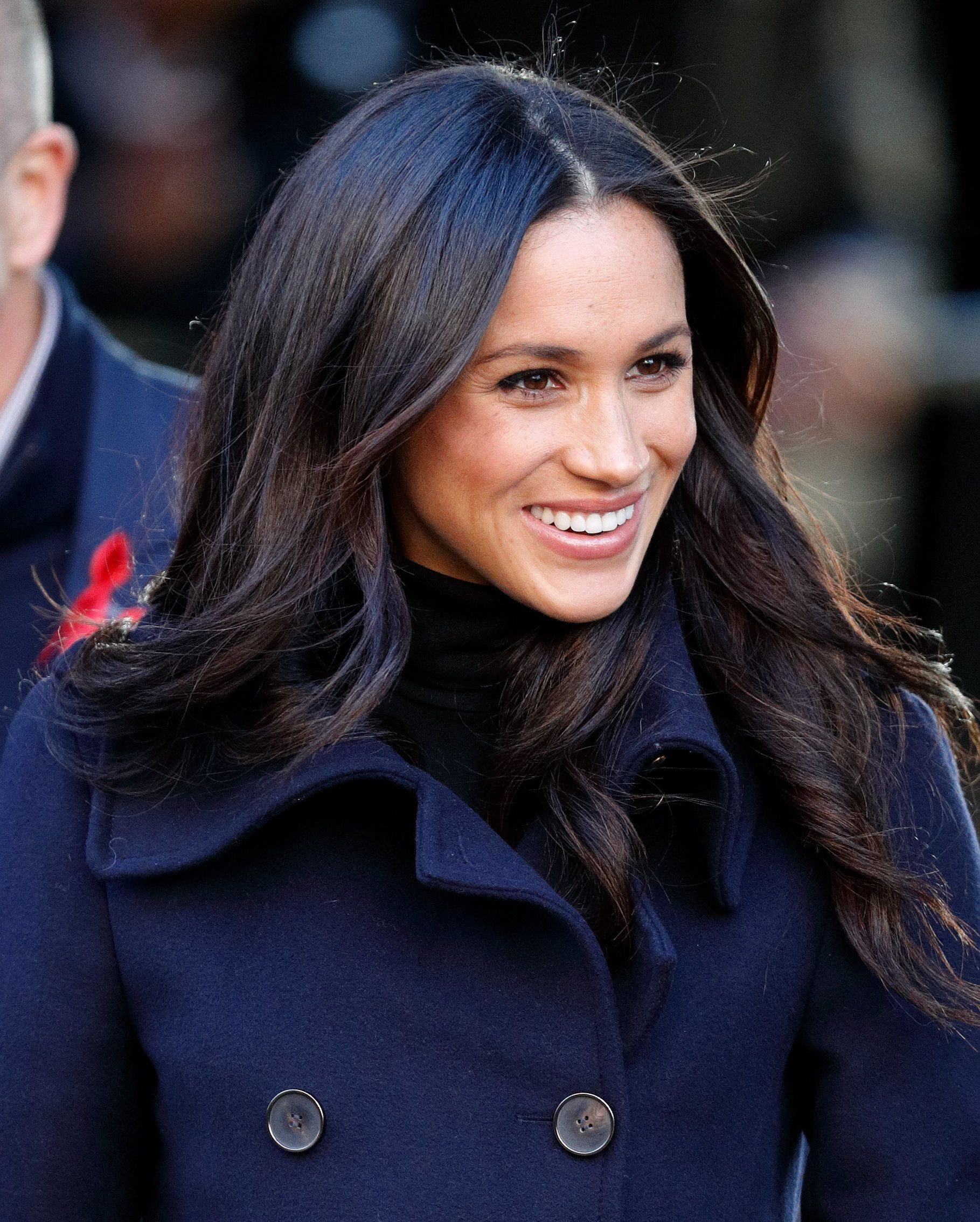 Here's How Meghan Markle Gets Her Signature Hairstyle