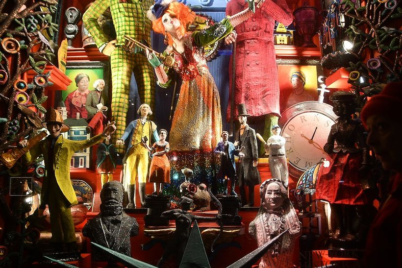 <em>Bergdorf Goodman pays homage to the New-York Historical Society in this dazzling holiday window display.</em>