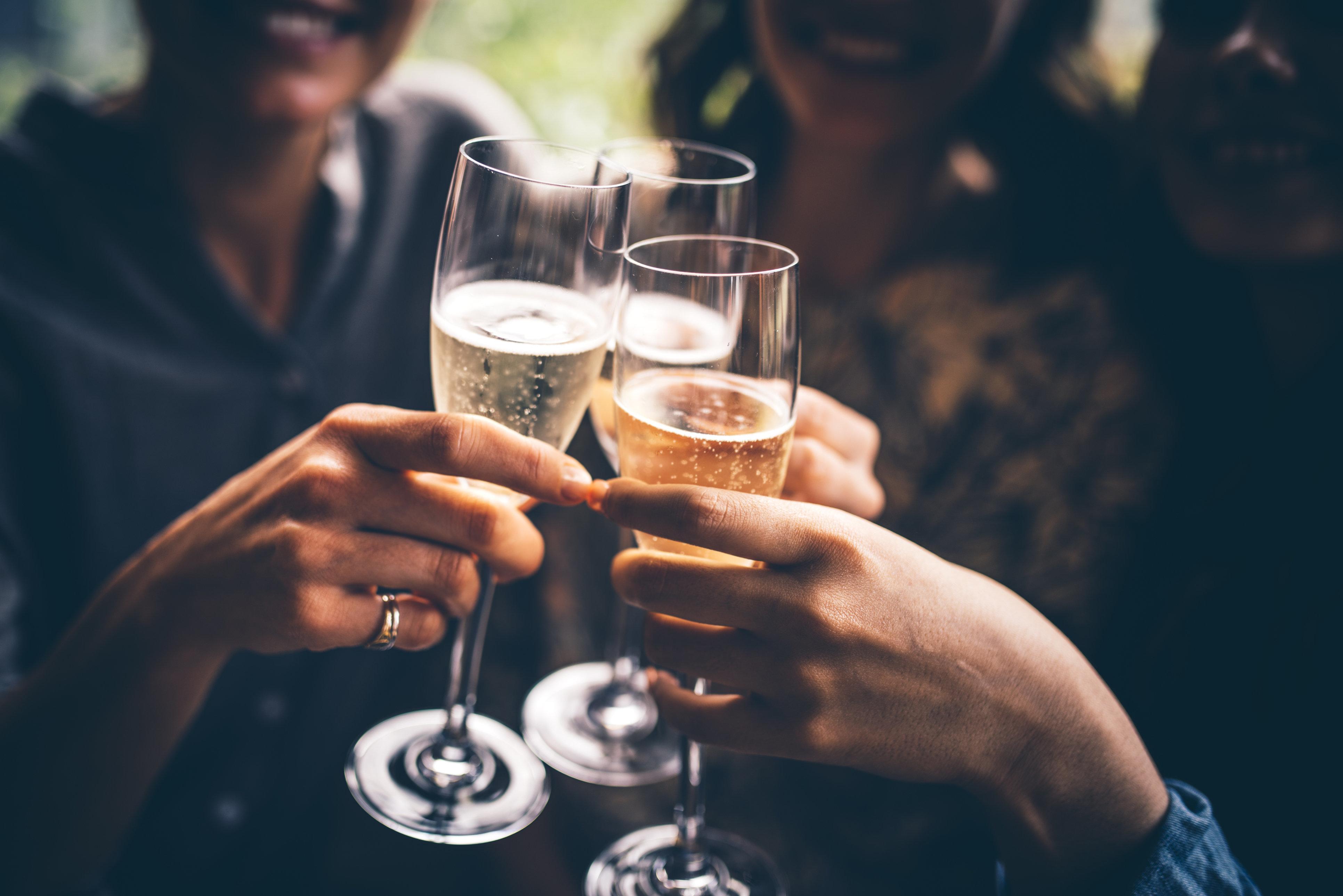 Champagner, Pelz und Verachtung - was ich bei einer Benefizveranstaltung im Golfclub erlebt