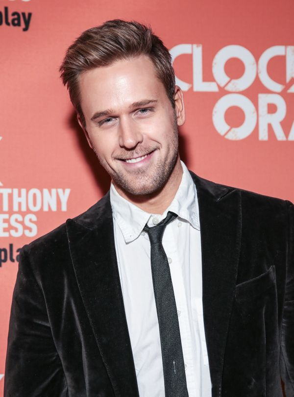 "The ""Younger"" actor <a href=""https://www.huffingtonpost.com/entry/dan-amboyer-comes-out_us_59db8478e4b072637c457cf7"">married"