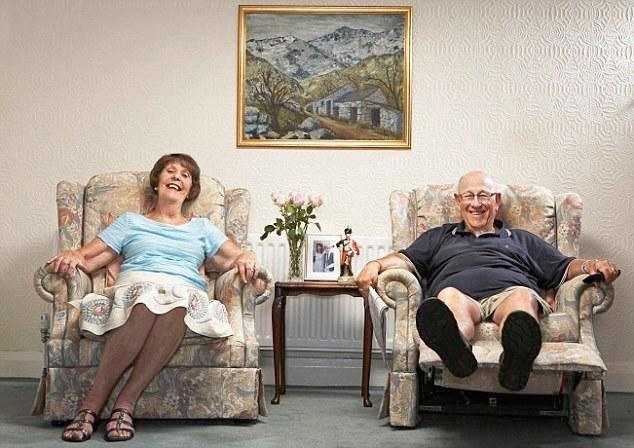 Gogglebox's Leon Bernicoff Dies, Aged