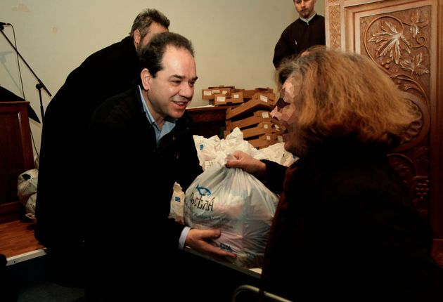 Διανομή δεμάτων αγάπης από την «Αποστολή» για 11.164 οικογένειες σε 27 πόλεις της