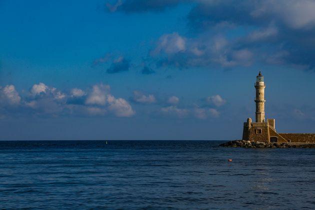 Επί δύο ώρες προσπαθούσε να προσεγγίσει το λιμάνι του Ηρακλείου το πλοίο ΚΡΗΤΗ ΙΙ λόγω των ισχυρών