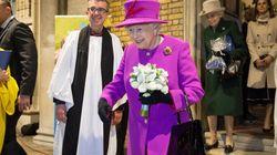 Η βασίλισσα Ελισάβετ είναι μία από εμάς: Τα 7 αντικείμενα που έχει πάντα στην τσάντα