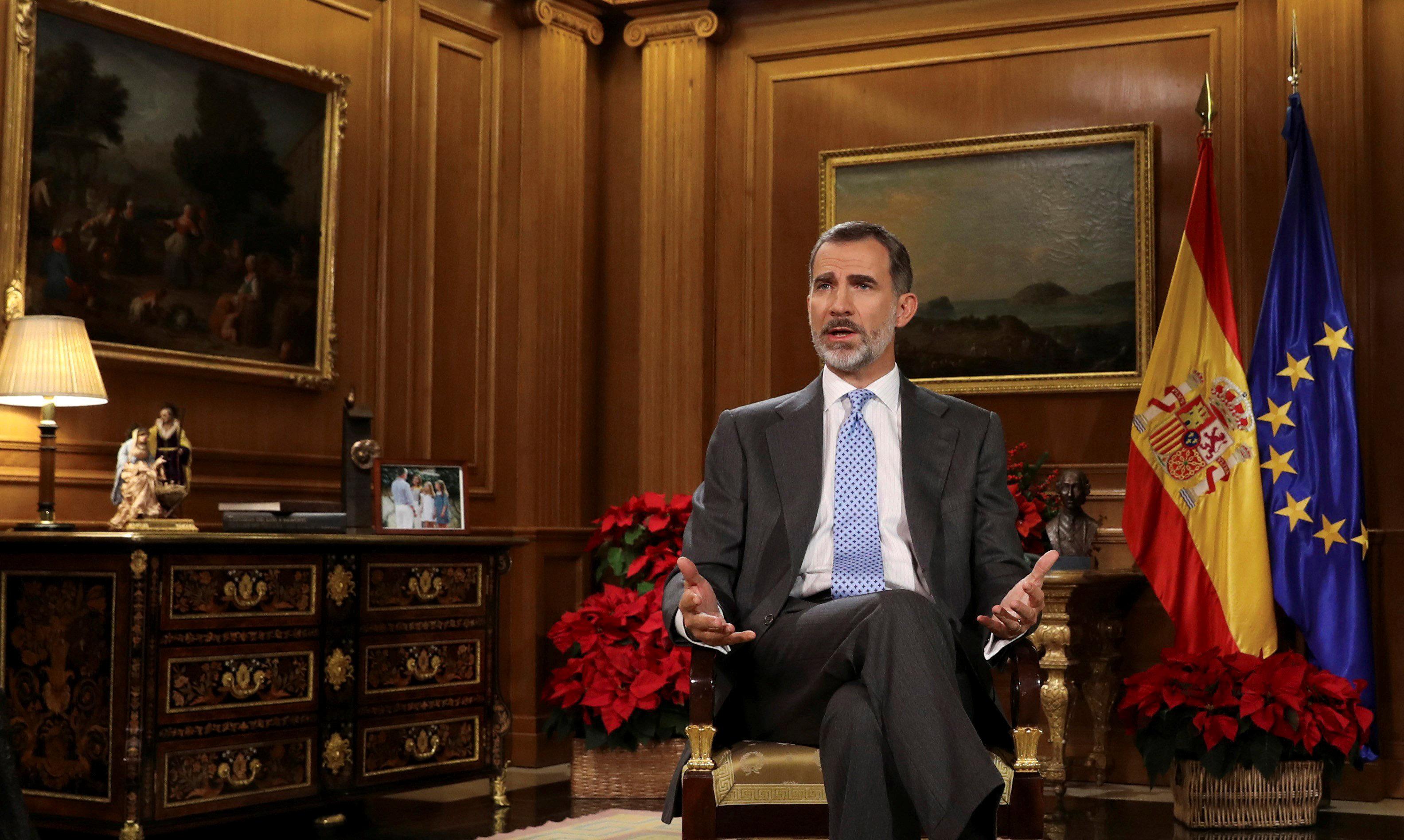 Ο βασιλιάς της Ισπανίας απευθύνει έκκληση στους Καταλανούς πολιτικούς να αποφύγουν μια νέα