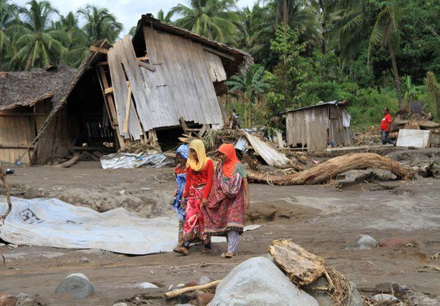 Φιλιππίνες: Στους 240 οι νεκροί από την τροπική καταιγίδα