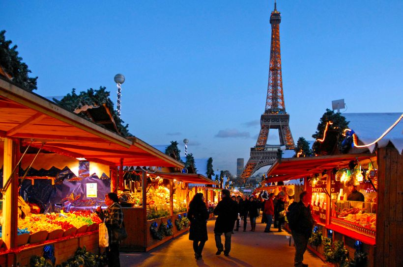 Christmas market along the Trocadero in Paris.