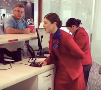Watch These Flight Attendants Stuns Travelers With Beautiful Christmas Tunes