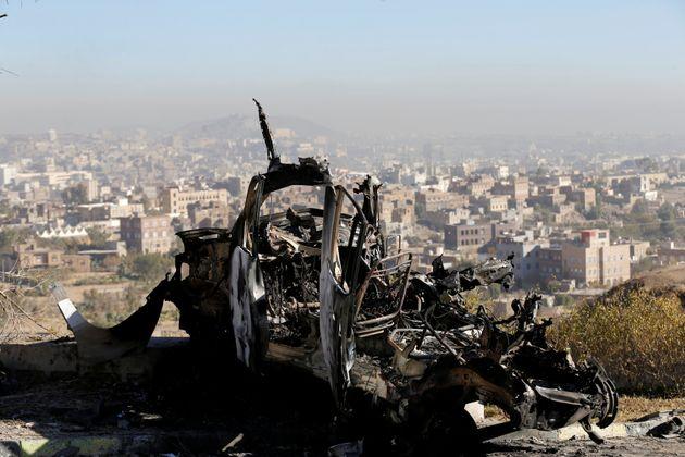 Υεμένη: Δεκάδες νεκροί σε μάχες και αεροπορικές επιδρομές μέσα σε ένα