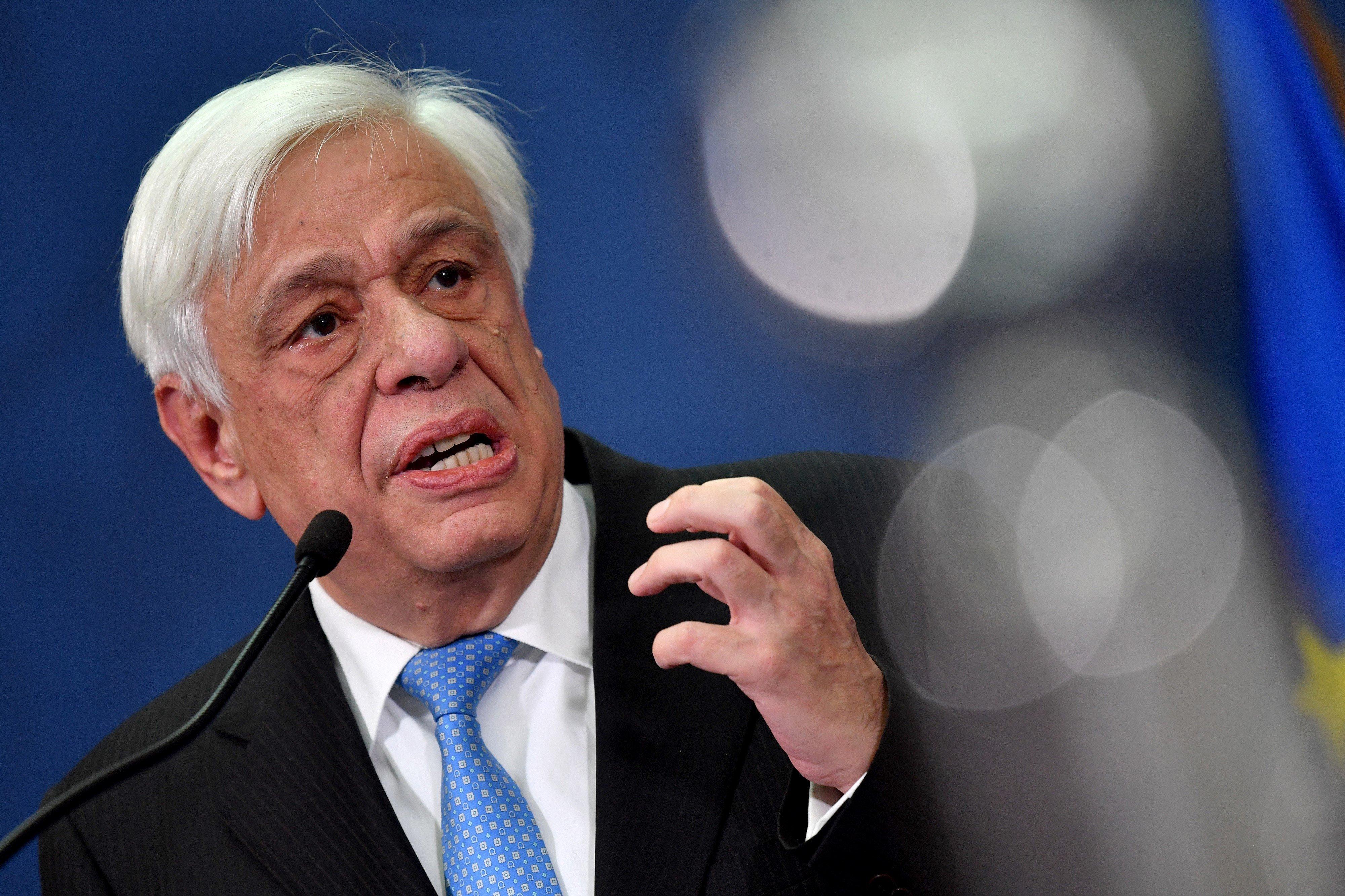 Παυλόπουλος: Σημαντικό βήμα για την περαιτέρω βελτίωση των διμερών σχέσεων η χορήγηση της αλβανικής ιθαγένειας στον Αρχιεπίσκ...