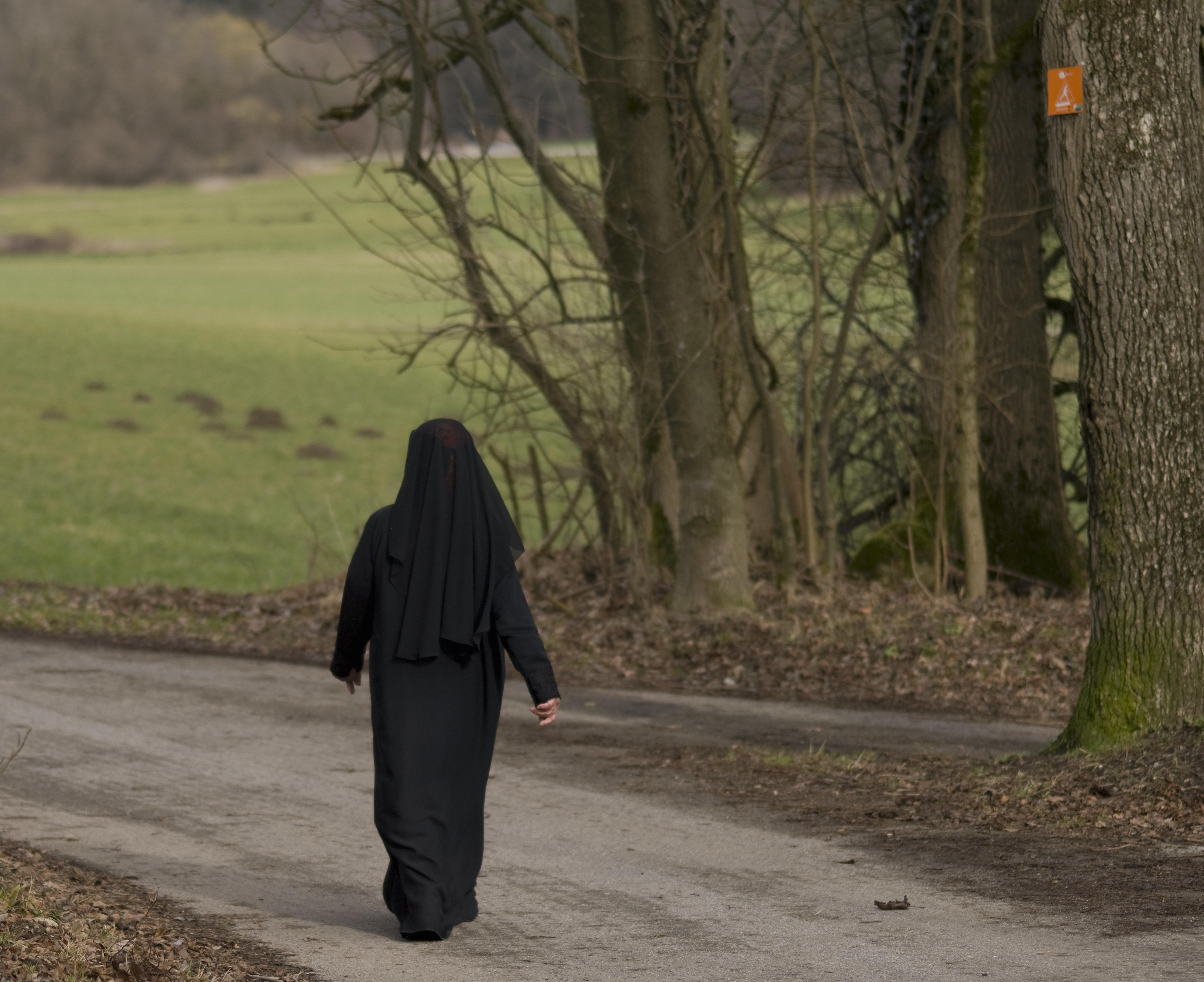 Verfassungsschutz warnt vor Islamisten - genauer vor einem Netz von Salafistinnen