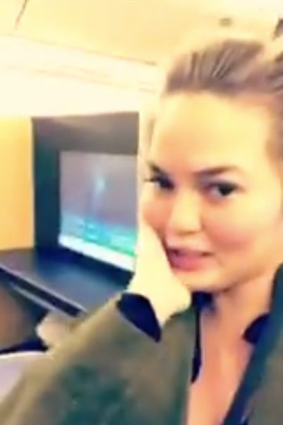 Chrissy Teigen Live-Tweets Nightmare Flight After Bizarre Passenger