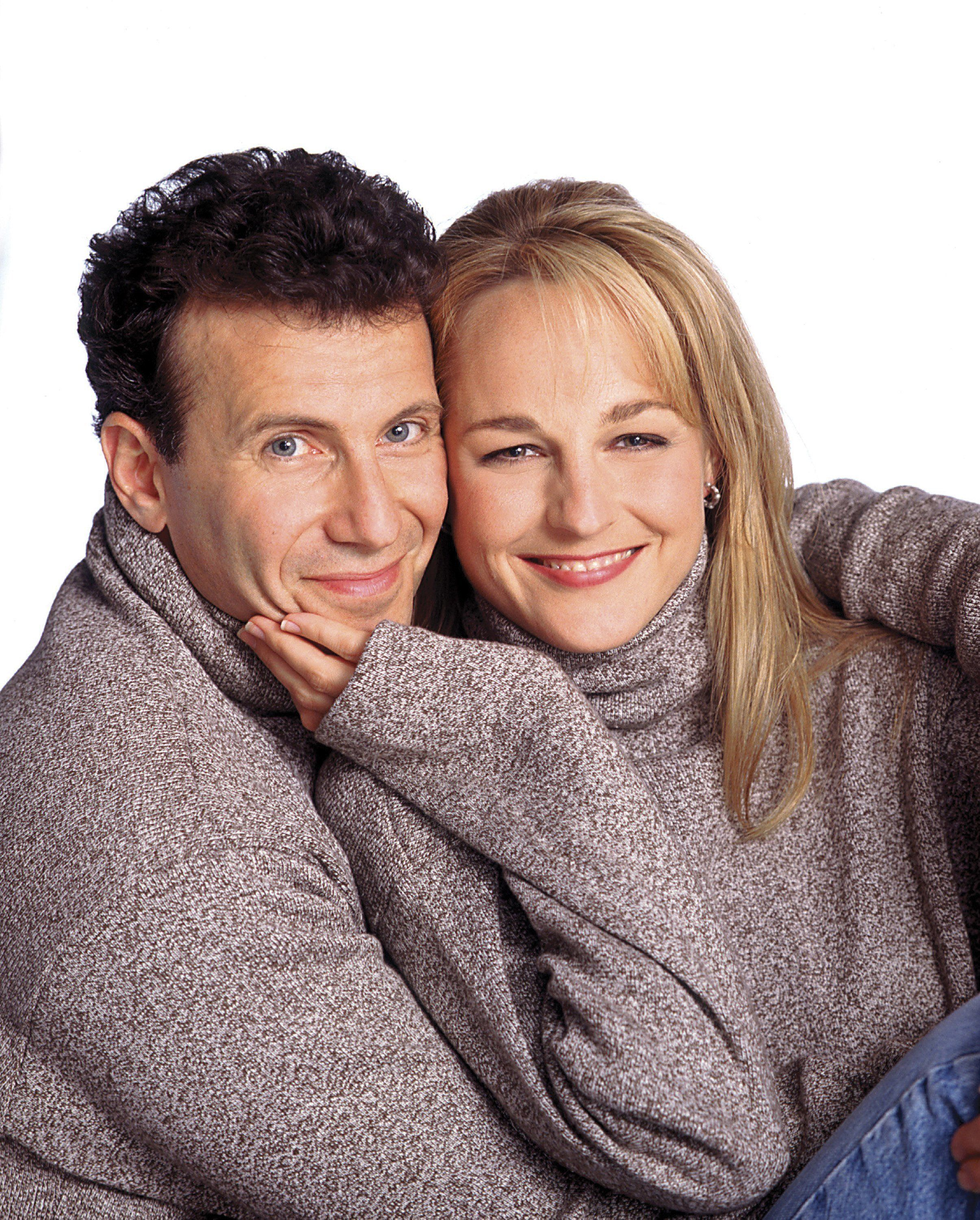 MAD ABOUT YOU -- Season 4 -- Pictured: (l-r) Paul Reiser as Paul Buchman, Helen Hunt as Jamie Stemple Buchman -- Photo by: Michael Tighe/NBC/NBCU Photo Bank
