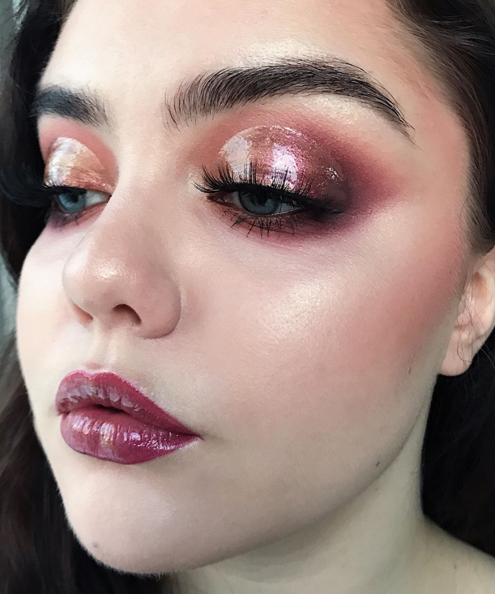 The Glossy Lid Is The Eye Makeup Trend To Try Your Hand At