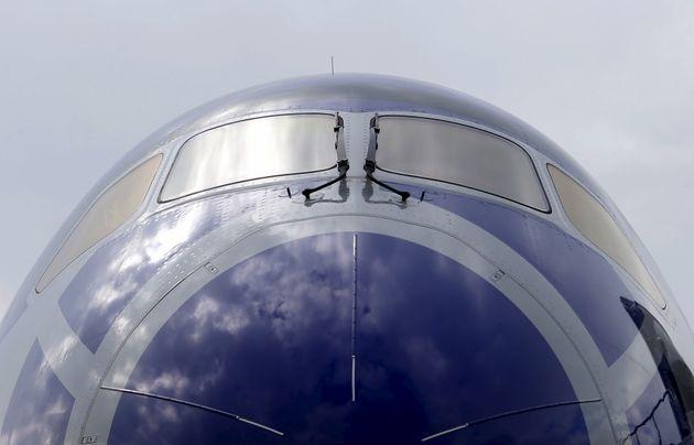 Αεροσκάφος με προορισμό το Τόκιο επιστρέφει πίσω επειδή επιβάτης είχε επιβιβαστεί κατά