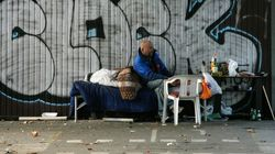 Obdachlose im Winter im Stich gelassen: Polizeibeamter verklagt seine Stadt