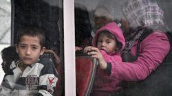 Από τα νησιά στην ενδοχώρα μεταφέρθηκαν περισσότεροι από 4.000 πρόσφυγες μέσα σε ένα