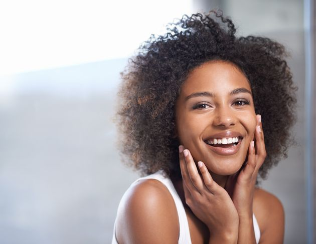 How To Get The 'No-Makeup' Look On Dark Skin: Beauty Products