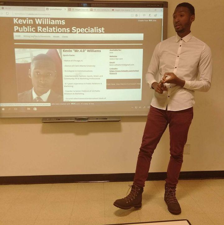<p>Kevin Williams speaking at Harold Washington College</p>