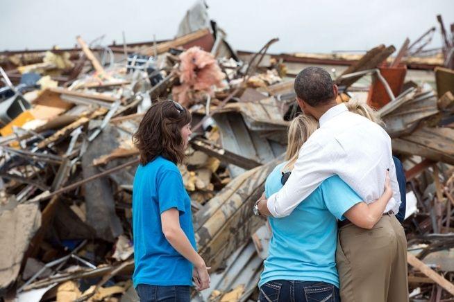 Comforting folks after Oklahoma tornado