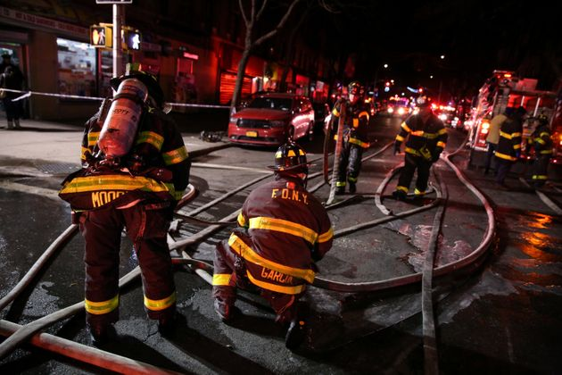 Τουλάχιστον δώδεκα νεκροί σε πυρκαγιά στο Μπρονξ της Νέας