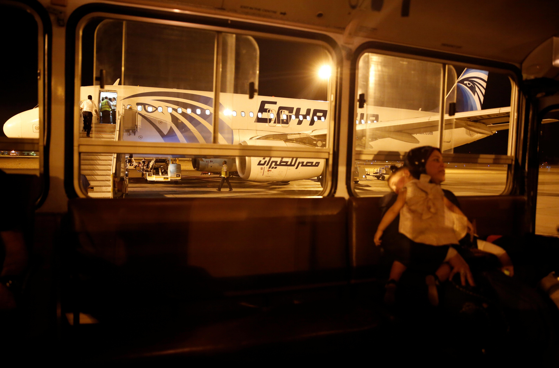Familie sitzt seit zwei Monaten am Flughafen von Bangkok fest - ein Ende ist nicht in