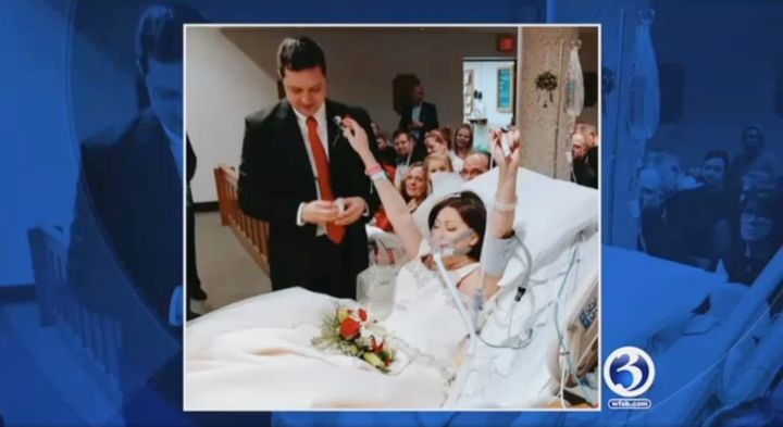 Pernikahan Heather Lindsay dan David Mosher