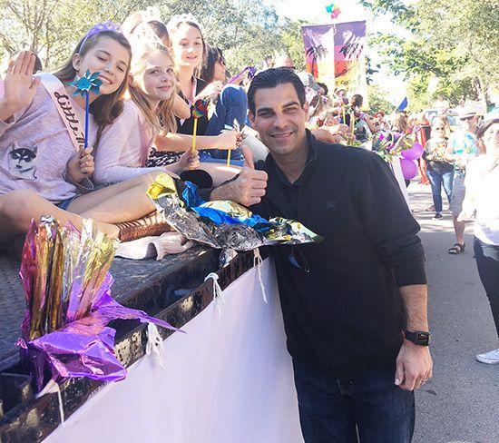 Miami Mayor Francis Suarez and little mango girls.