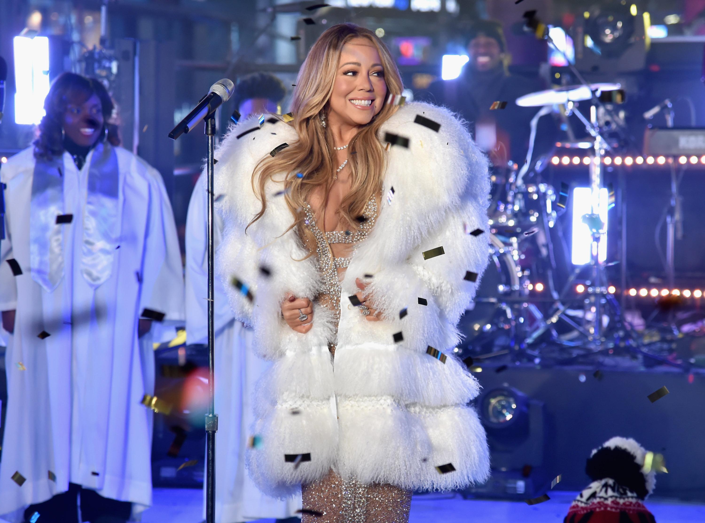 Mariah Carey Laments Lack Of 'Hot Tea' During New Year's
