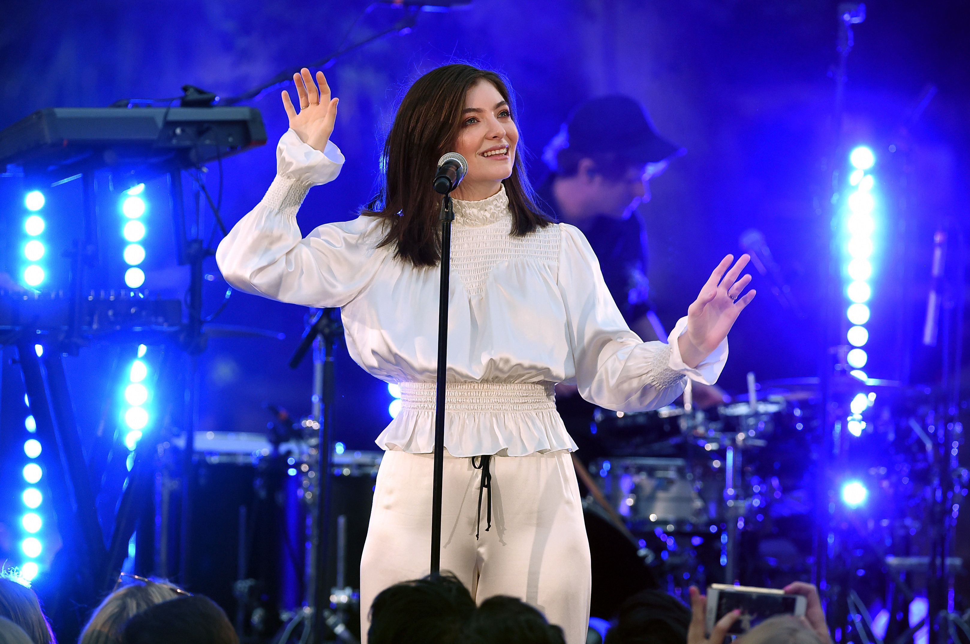 Lorde Accused Of 'Jew-Hatred' By Celebrity Rabbi In Full-Page Washington Post