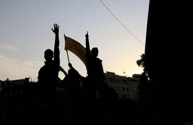ANADOLU AGENCY VIA GETTY IMAGES Unruhen in Teheran.
