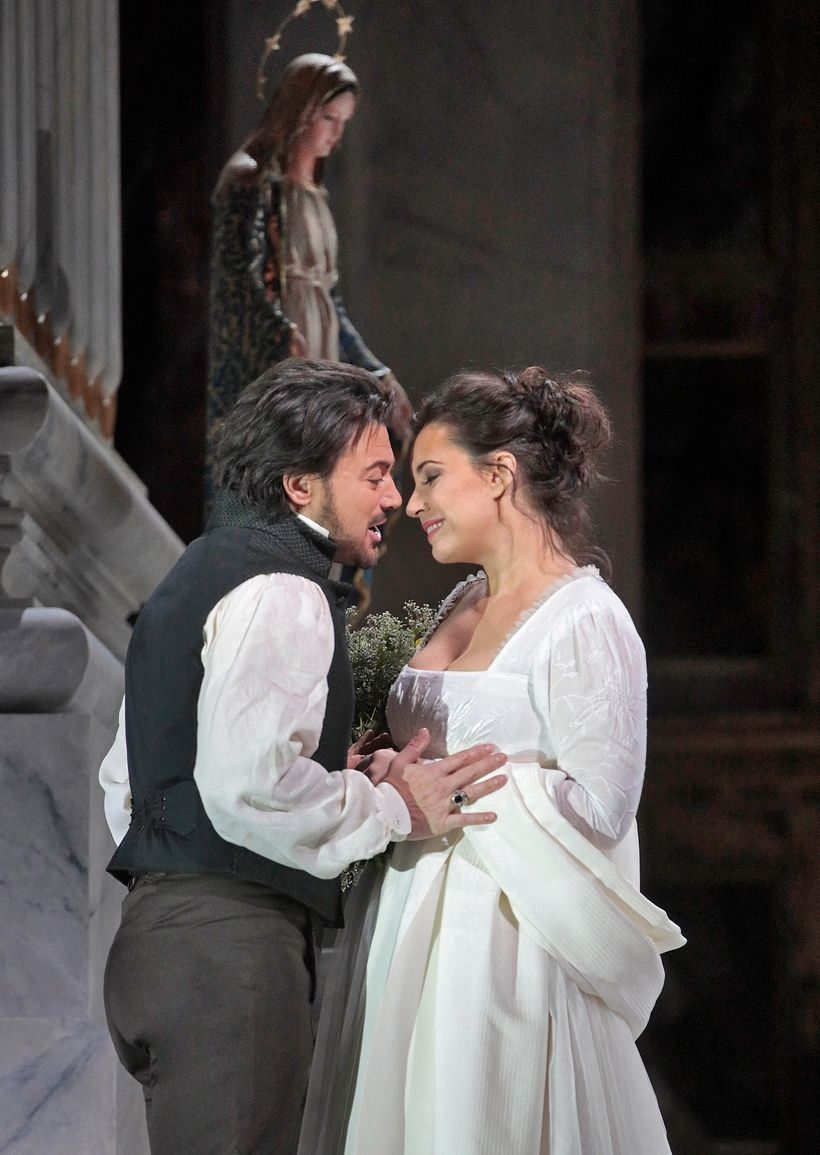 Vittorio Grigolo and Sonya Yoncheva in the Met Opera's new production of <em>Tosca</em>.