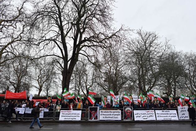 Επεκτείνονται οι διαδηλώσεις στο Ιράν. Πώς αντιδρούν οι αξιωματούχοι Ευρώπης και