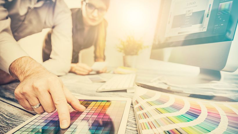 2018 Logo Design Trends: Your Guide to Navigate Hot Trends