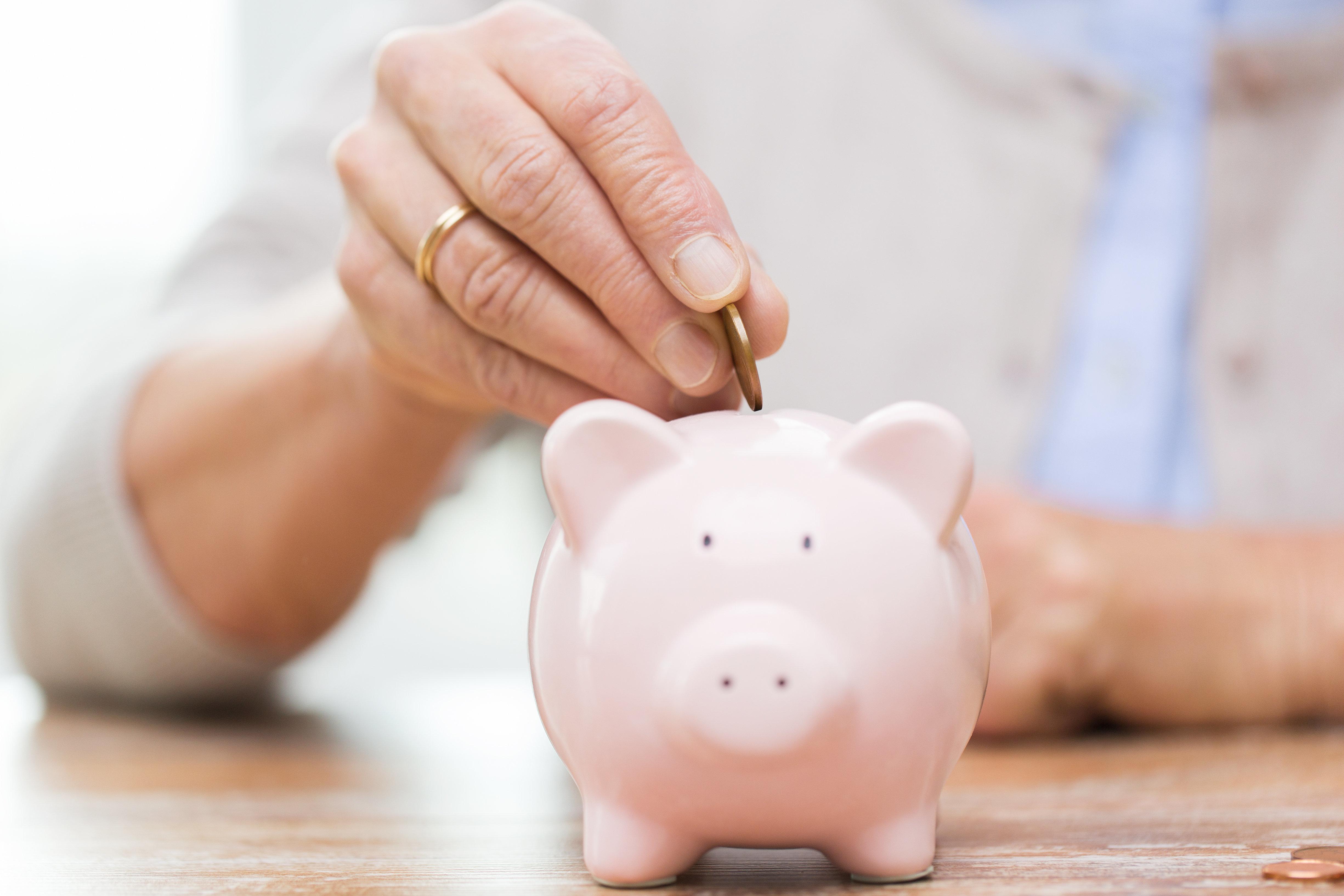 Πώς θα αποταμιεύσετε περίπου 1.500 ευρώ μέσα στο 2018 χωρίς να στερηθείτε