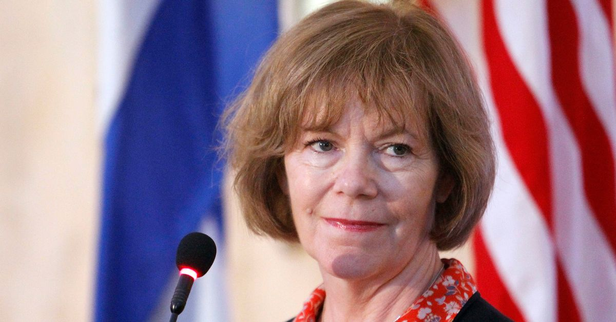Tina Smith Sworn In As Al Franken's Replacement In U.S. Senate