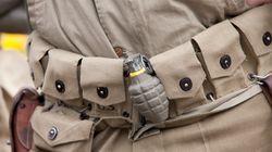 Βίντεο: Ατζαμής στρατιώτης πετά απασφαλισμένη χειροβομβίδα ένα μέτρο μακριά