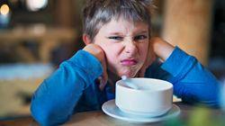Ihr fragt euch, warum sich eure Kinder beim Essen nicht benehmen? Hier ist die