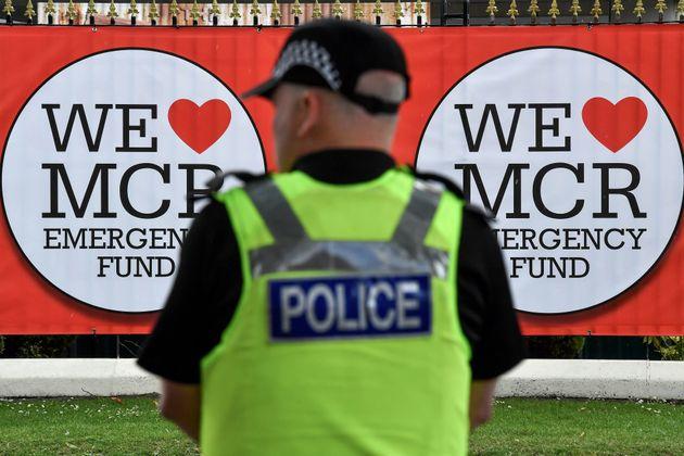 Βρετανία: Άντρας παραδέχτηκε ότι λήστευε θύματα της τρομοκρατικής επίθεσης στο