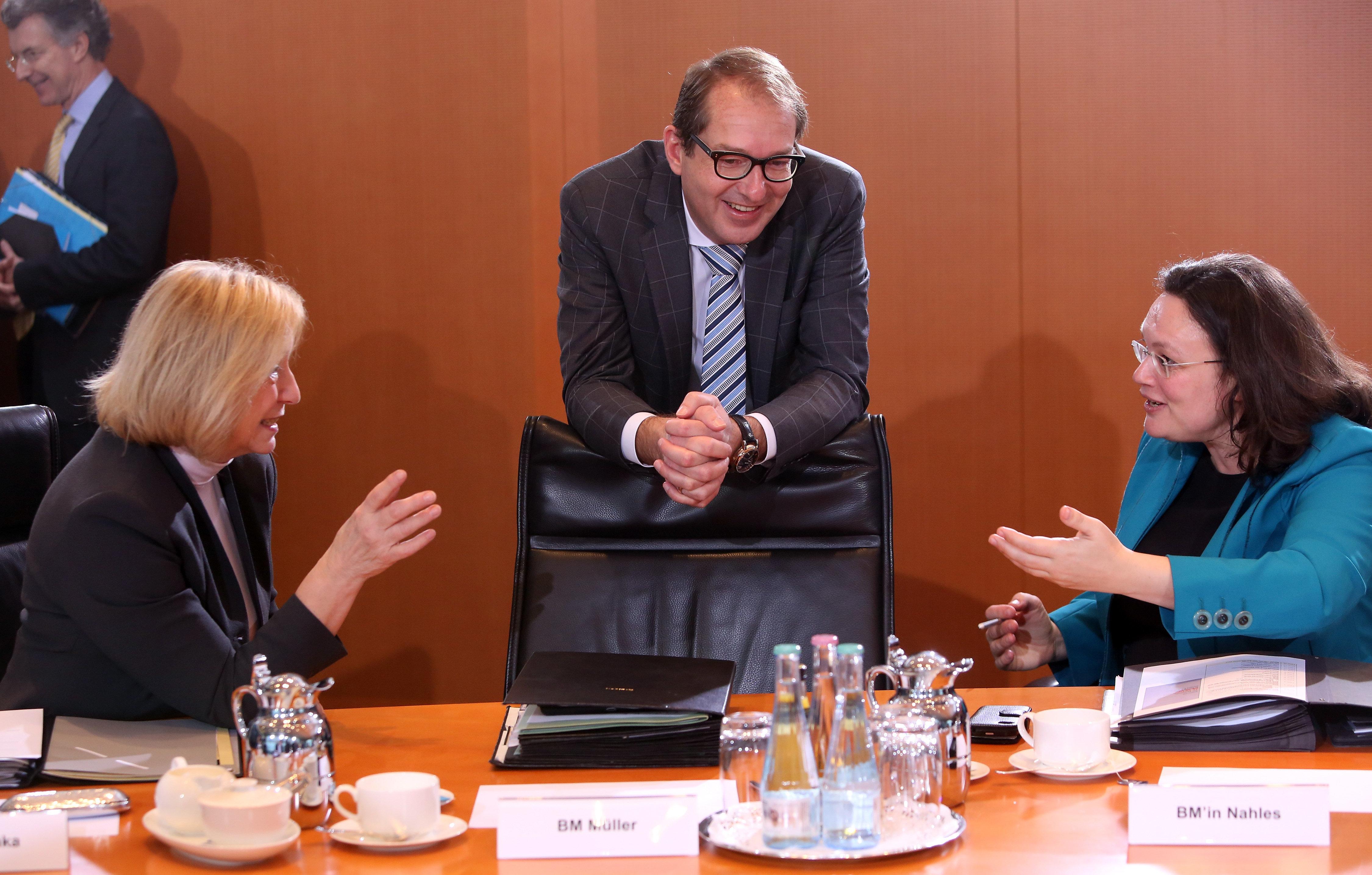 Top-News To Go: CSU-Politiker Dobrindt stellt SPD Bedingungen für Neuauflage der Großen