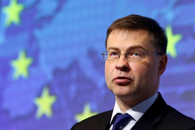 Ντομπρόβσκις: «Η δέσμευση της Κομισιόν για τη στήριξη του ελληνικού λαού είναι συνεχής και