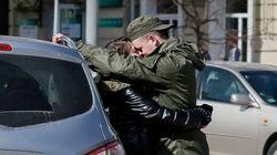 ΗΠΑ: Ζευγάρι δίνει το τελευταίο φιλί λίγο πριν τη σύλληψή